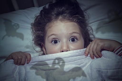 از بین بردن ترس از تاریکی در کودکان